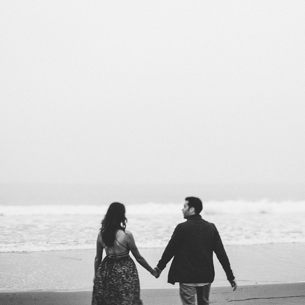 Gloomy Beach Portraits | Shannon and Justin